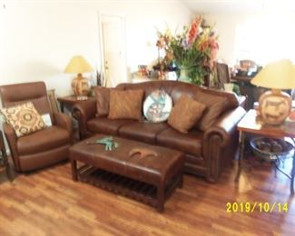 LEATHER SOFA, RECLINER, BENCH, OCCASIONAL TABLES, TABLE LAMPS, DECOR