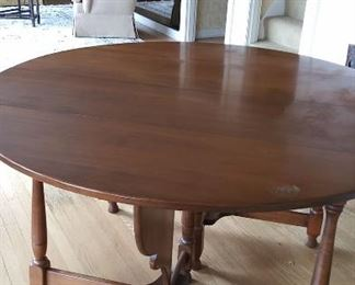 """Round dining table with two leaves.  No makers mark 53"""" round"""