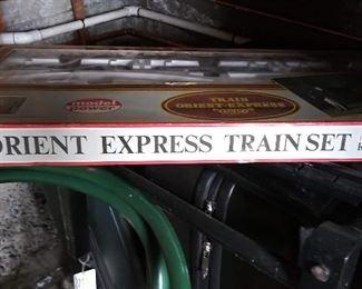 Model Power train set. HO scale.  Orient Express.