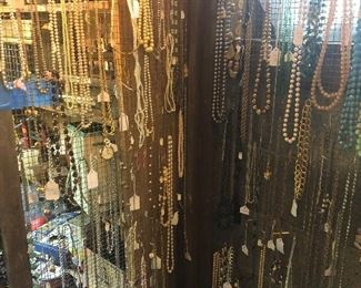 Vintage fashion/costume jewelry