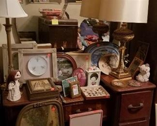 lamps, artwork, vintage vanity with mirror
