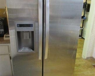 LG  fridge 2014    36w  33d  70h