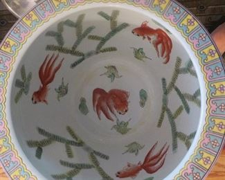 Large Chinese Porcelain Fishbowl with Stand (detail of inside)