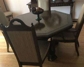 Dining Room Table w/6 Chairs & 2 Table Leaves