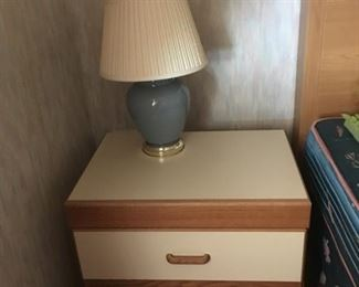 2 of 2 White/Wood Nightstands