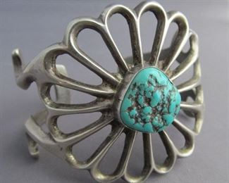 SAND CAST PAWN SILVER NATIVE AMERICAN SILVER  & TURQUOISE CUFF BRACELET
