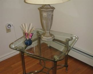 2 end tables $25 ea