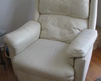 leather recliner $25