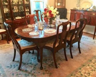 Queen Anne Style Henkel Harris Table with 3 Leaves and 8 Chairs