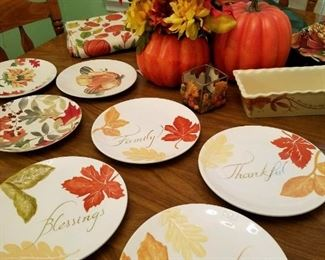 Love these fall leaf plates