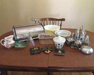 Vintage Kitchen https://ctbids.com/#!/description/share/235852
