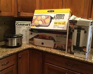 Small Kitchen Appliance Lot 2 https://ctbids.com/#!/description/share/235809