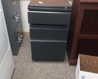 Metal 3 drawer cabinet