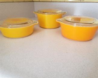 Pyrex Yellow Sunflower Casserole Dishes https://ctbids.com/#!/description/share/235697