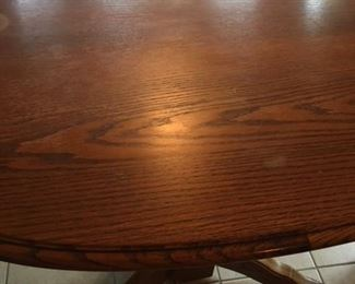 Oak table with one leaf and 8 chairs