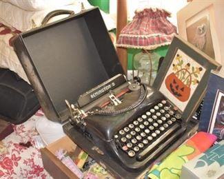 Remington 5 typewriter in case