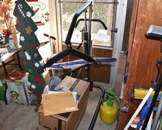 Hoyer lift for medical bedside lifting assistance