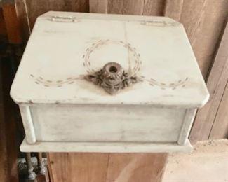 Farm house Bread Box