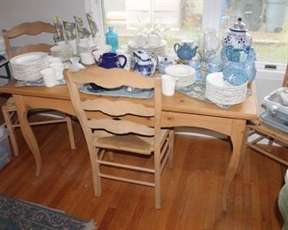 Country French pine wood dining table w/ 6 chairs w/ rush seat
