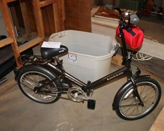 Latte folding commuter bike