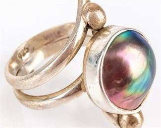 Lot 300 - Jewelry Sterling Silver Pearl Ring