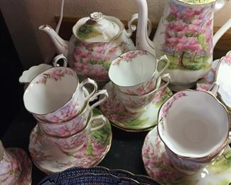 Royal Albert Cherry Blossom tea & coffee set-also lovely condition
