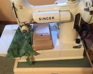 Just discovered! Rare white Singer featherweight --fabulous piece!