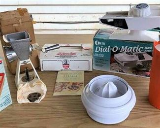 APC008 Vintage Kitchen Gadgets