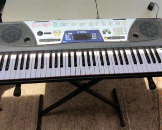 APC030 Yamaha Electronic Keyboard