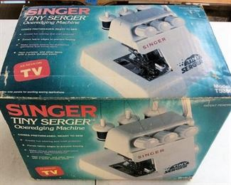 APC046 Singer Tiny Serger Sewing Machine