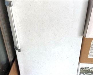 APC066 Kenmore Upright Freezer