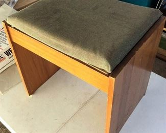 APC116 Wooden Bench with Padded Top