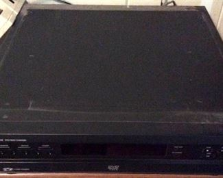 APC135 Philips 6 Disc Changer DVD Player