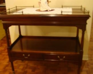 Sheridan style single drawer server