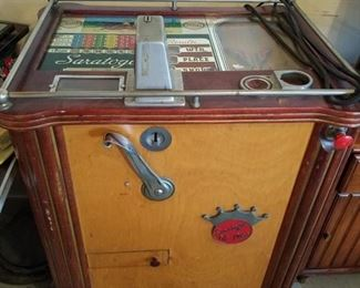 Saratogo 5¢ floor model slot machine.