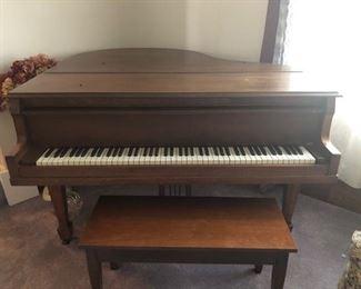 PIANO BABY GRAND