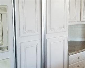 Sub-Zero 561 refrigerator