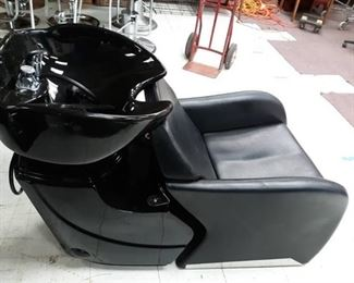 Shampoo Station with Chair and Sink