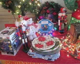 Wreaths, Nut Crackers & Lighting
