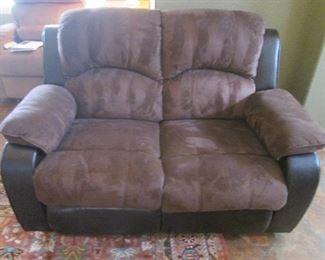 Love Seat, Both Seats Recline