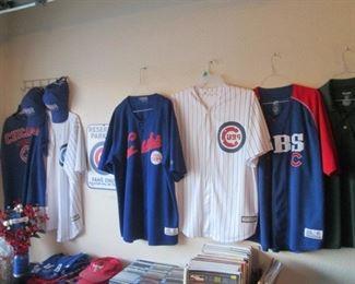 Chicago Cubs & Bears Clothing & Memorabilia