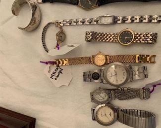 Ladies Watch w/14K Case and Bezel