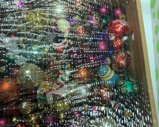 Lot of small glass ornaments
