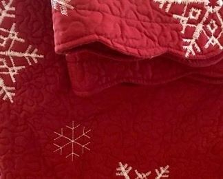 Queen size quilted snowflake coverlet with shams