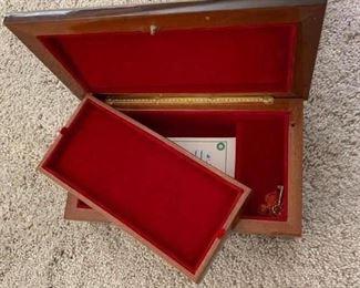 Italian Jewelry/music box