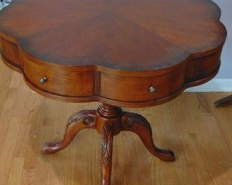 Cloverleaf Table