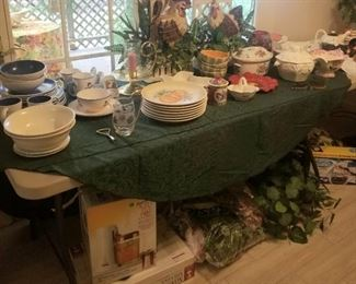 Kitchen items, dishes, serving pieces
