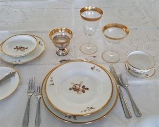 Royal Copenhagen 1 place setting example (goldrimmed glasses & silverware are sold)