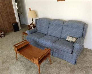 Beautiful blue couch in great condition