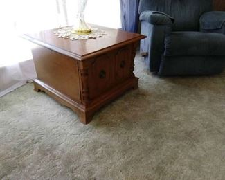Side table that can be used for storage